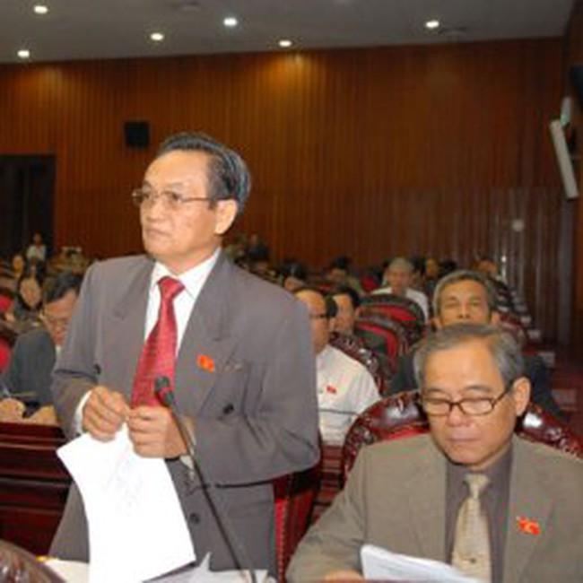 """Kinh tế 2011: Cần quyết sách lớn để tránh """"sa lầy"""" về bội chi"""