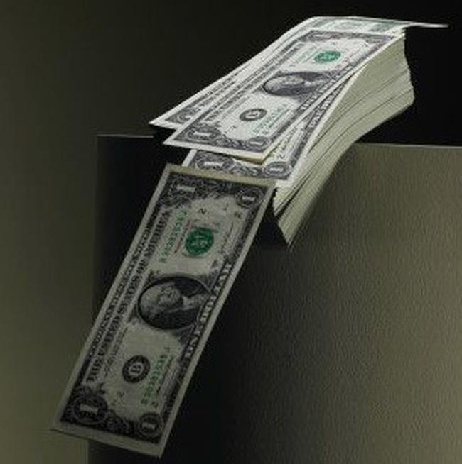 """USD tự do tăng giá có """"lỗi"""" của vàng?"""