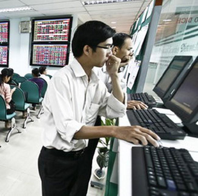 VN-Index phục hồi lên trên 450 điểm