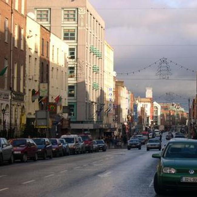 "Kinh tế Ireland bên ""vực thẳm"""
