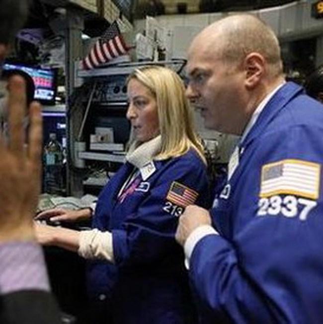 Dow Jones mất mốc 11.300 điểm