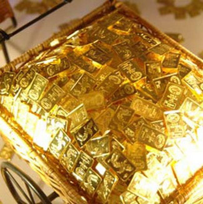 Hiệu ứng kép lên thị trường vàng