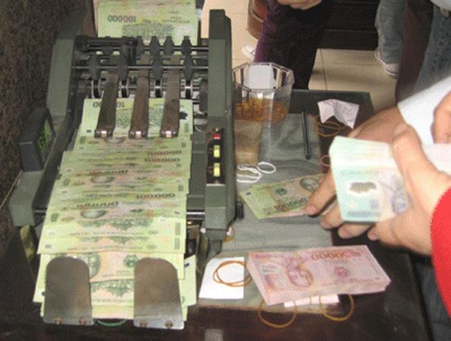 Năm tài khóa 2010 từ 7/2009–6/2010 WB tài trợ cho Việt Nam 2,13 tỷ USD