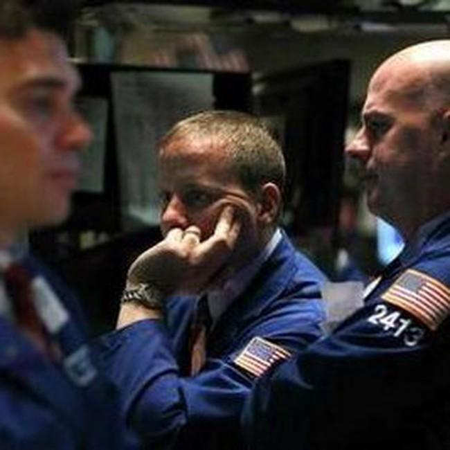 Dow Jones về gần mức 11.000 điểm