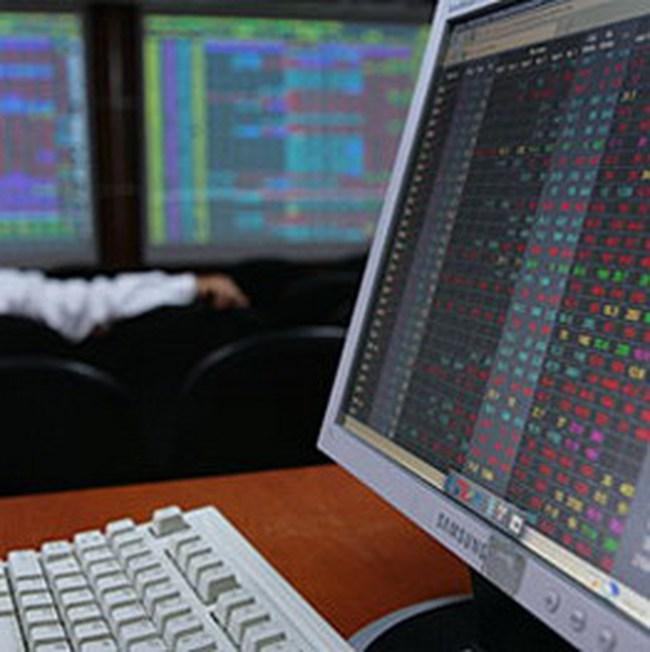 Hồi phục mạnh về cuối ngày, Vn-Index giảm nhẹ 0,32 điểm