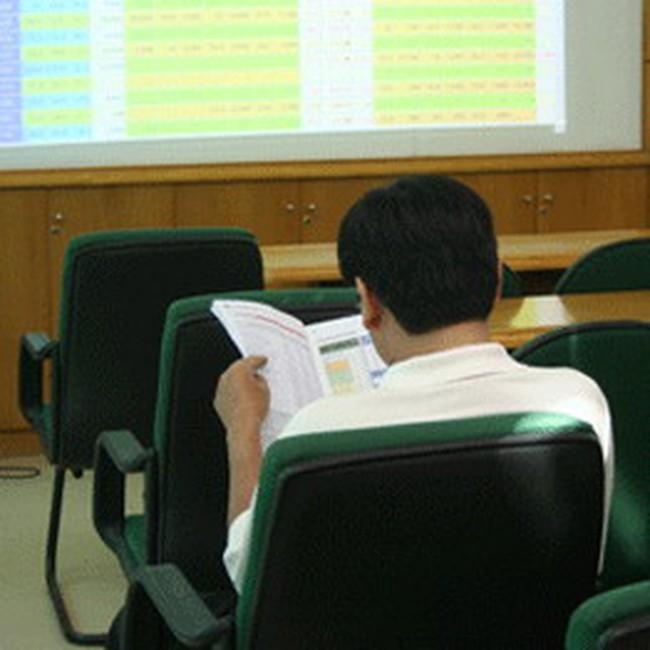 VN-Index bất ngờ vượt 430 điểm cuối phiên