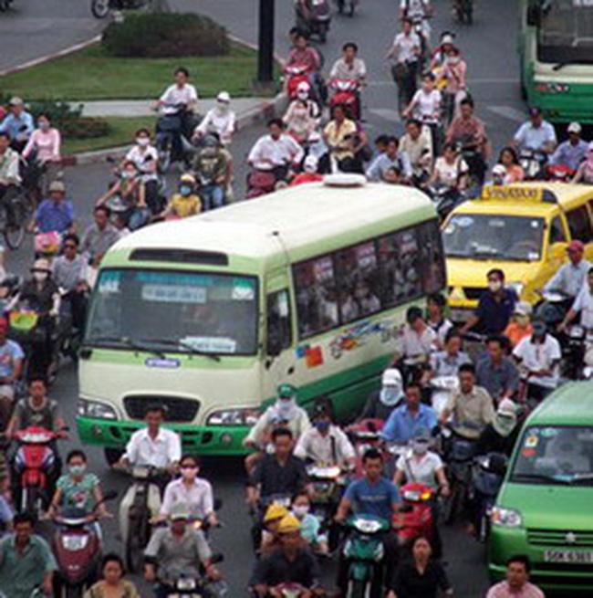 TP.HCM: Xe buýt chạy hết 3.700 tỉ đồng