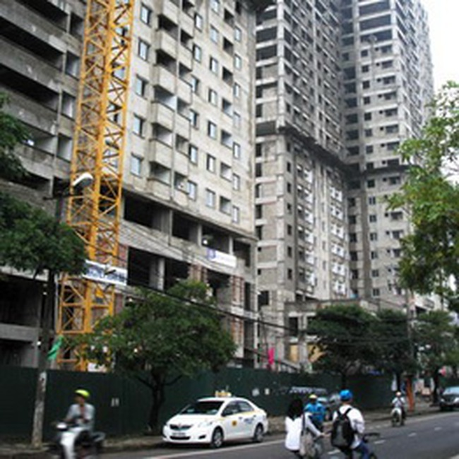 'Nhà thu nhập thấp không có suất ngoại giao'