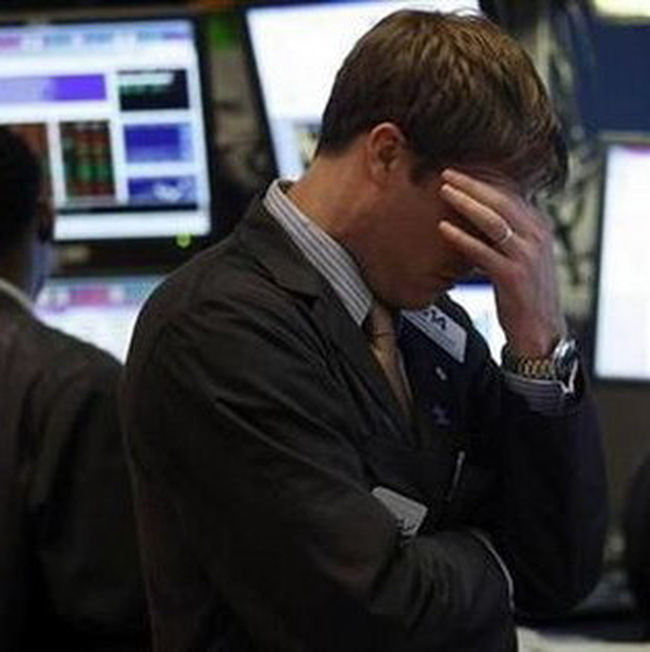 Dow Jones mất điểm vì nỗi lo về khủng hoảng châu Âu