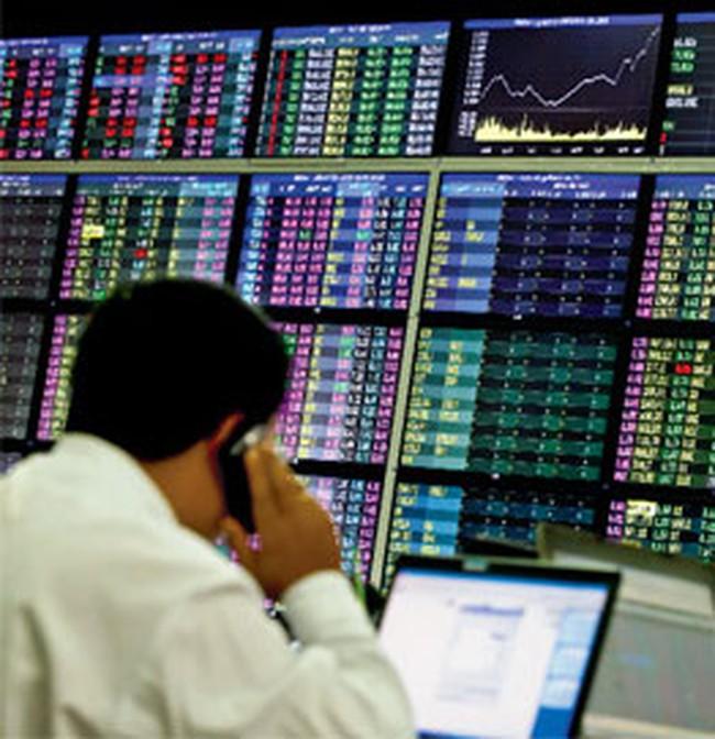 Khối ngoại giảm mua ròng tại HoSE, tiếp tục bán mạnh STB