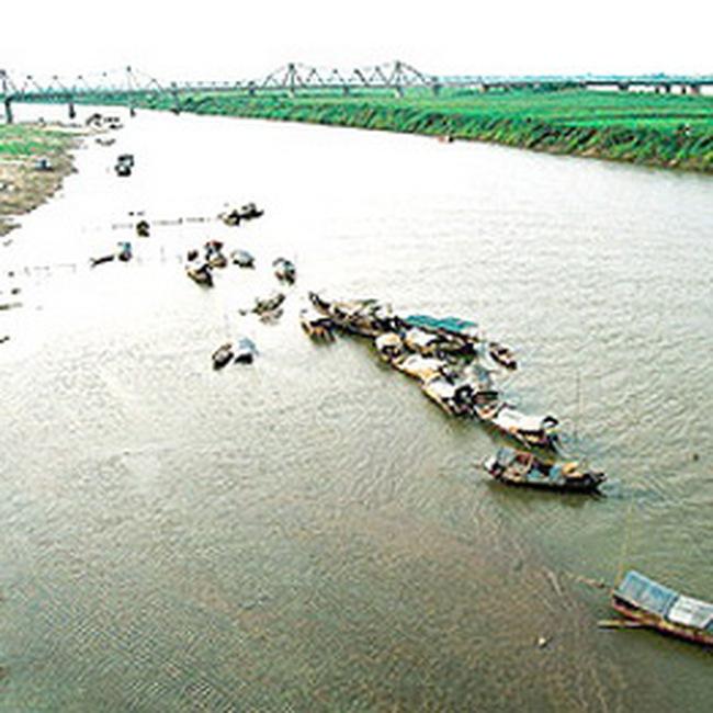 Mực nước sông Hồng có thể lại thấp kỉ lục