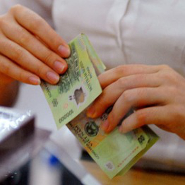 Giá cả tăng cao, người đóng thuế thu nhập cá nhân kêu khổ
