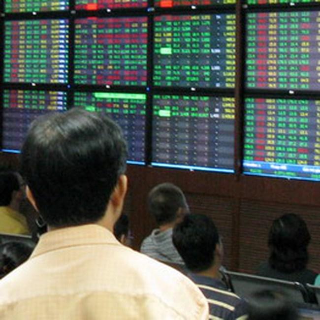 Đầu tư chứng khoán lo vì lãi suất ngân hàng tăng cao