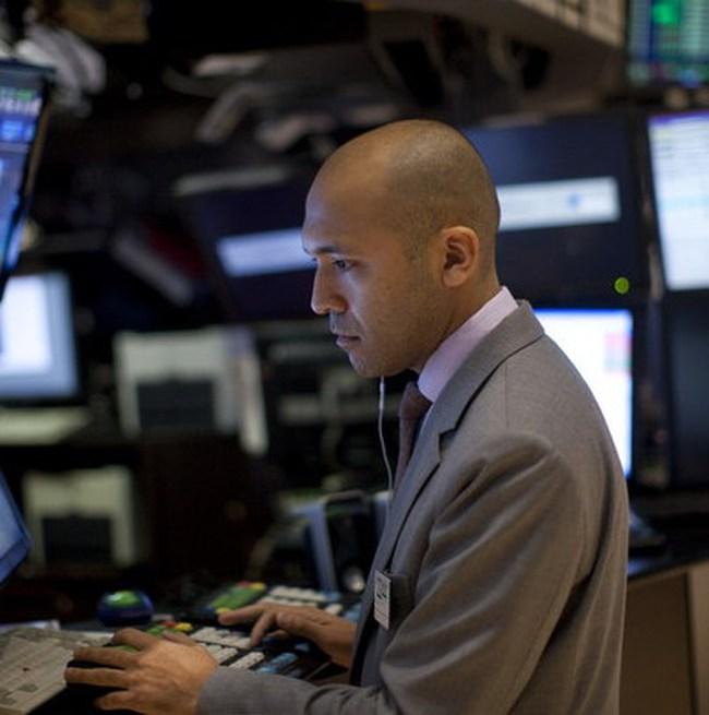 Dow Jones mất điểm do nỗi lo khủng hoảng châu Âu lan rộng