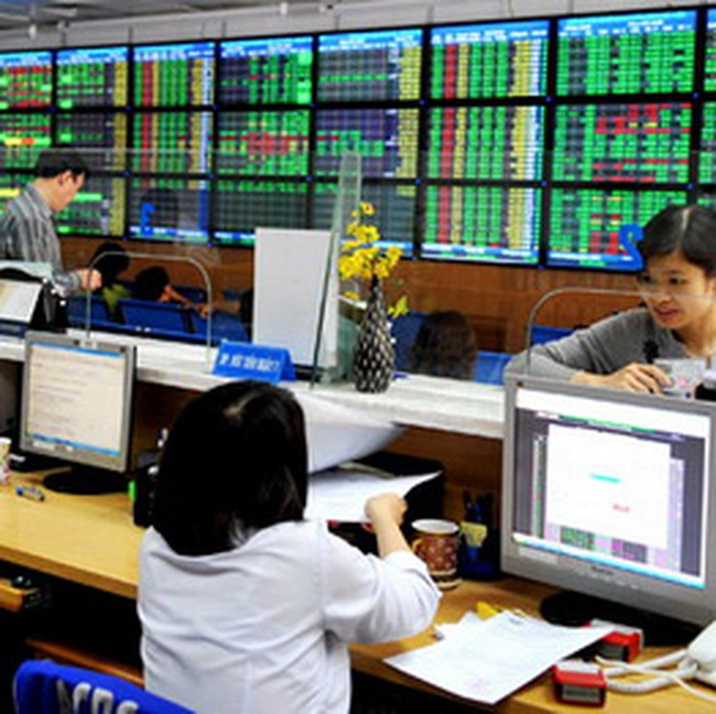 10h: Dòng tiền lớn tiếp tục đổ vào thị trường