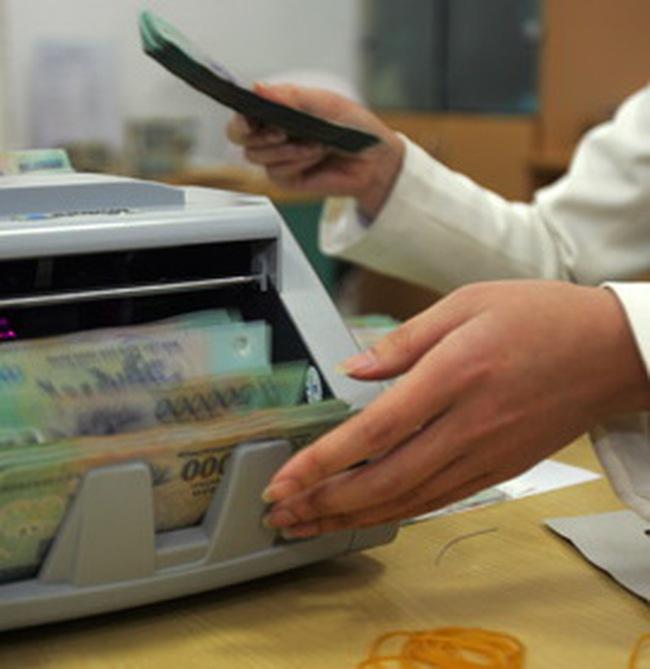 Vay tiền ngân hàng đem gửi tiết kiệm