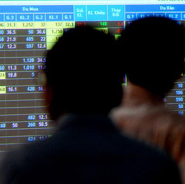 Khối ngoại bán ròng gần 100 tỷ đồng trên cả 2 sàn