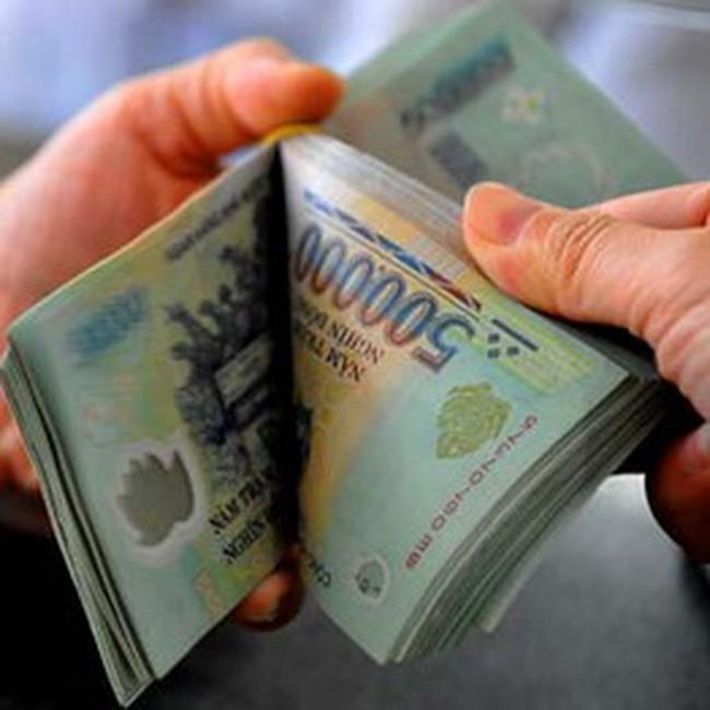 Lãi suất qua đêm liên ngân hàng lại lên trên 10%
