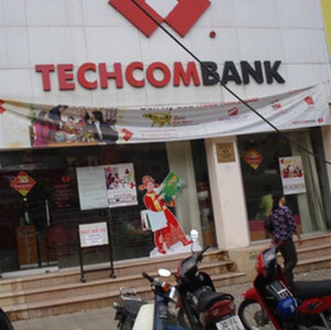 Tổng giám đốc Techcombank 'cáo lỗi' về vụ lãi suất 17%