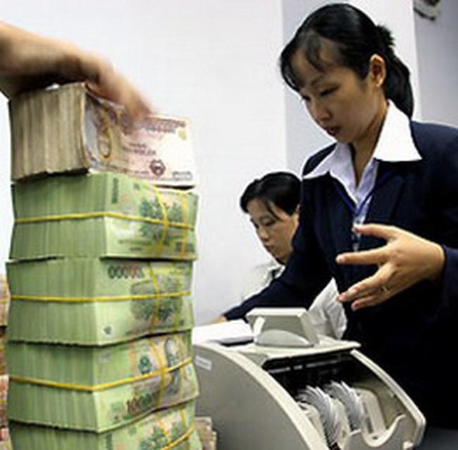 08/12: Lãi suất liên ngân hàng kỳ hạn dưới 6 tháng đều trên 13%/năm