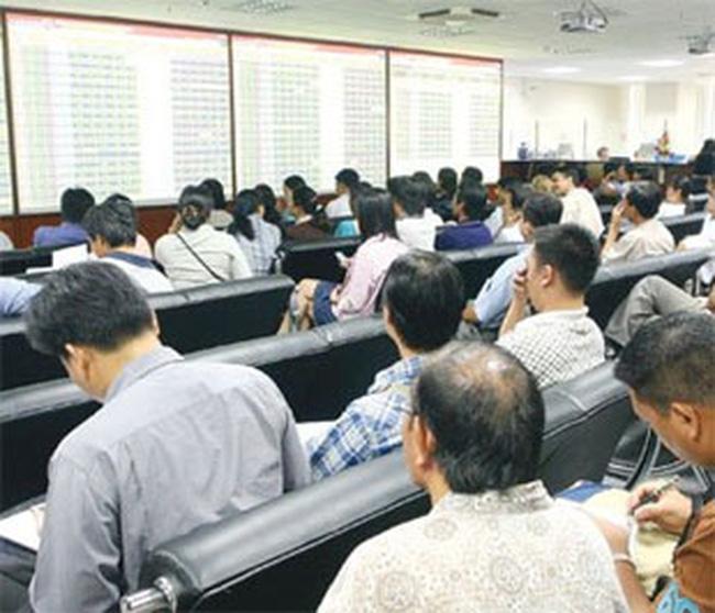Các cổ phiếu tác động nhiều nhất tới giúp Vn-Index và HNX Index bứt phá ngày 10/12