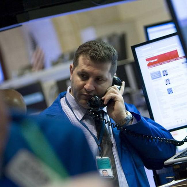 Dow Jones để mất phần lớn thành quả tăng điểm trong giờ giao dịch cuối