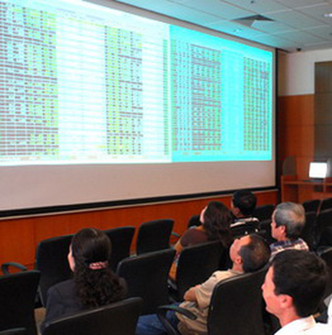 Vn-Index giảm 13 điểm về 480 điểm, HNX-Index giảm 4,3%