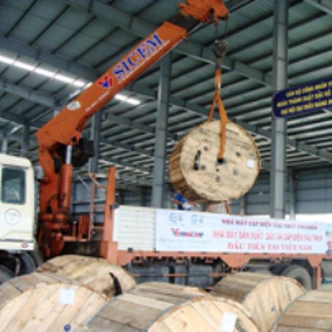 Nhà máy cáp điện tàu thủy Vinashin giao nhận lô hàng đầu tiên