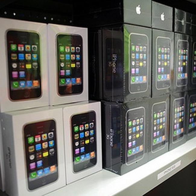 Chiếc iPhone và nghịch lý thương mại Trung-Mỹ