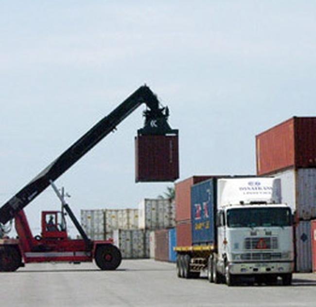 Xuất, nhập khẩu năm 2010 đã cán đích