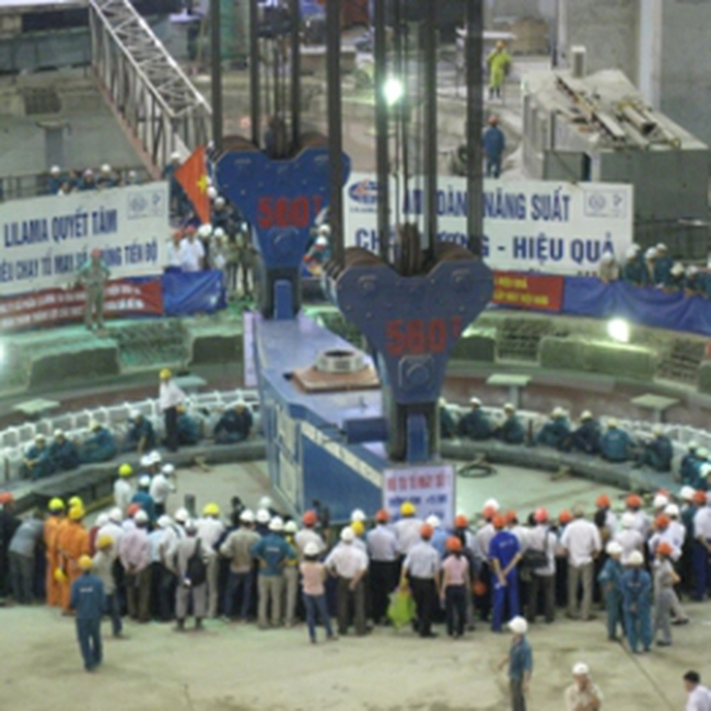 Tổ máy 1 Thủy điện Sơn La hòa lưới điện quốc gia