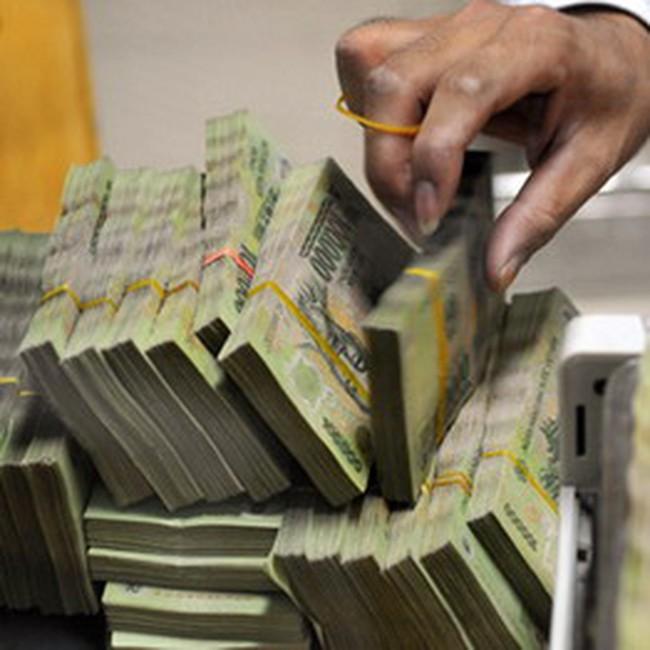 Thắt chặt tiền tệ có là lời giải cho ổn định vĩ mô?
