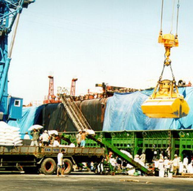 Xuất, nhập khẩu tiếp tục tăng mạnh trong nửa đầu tháng 12