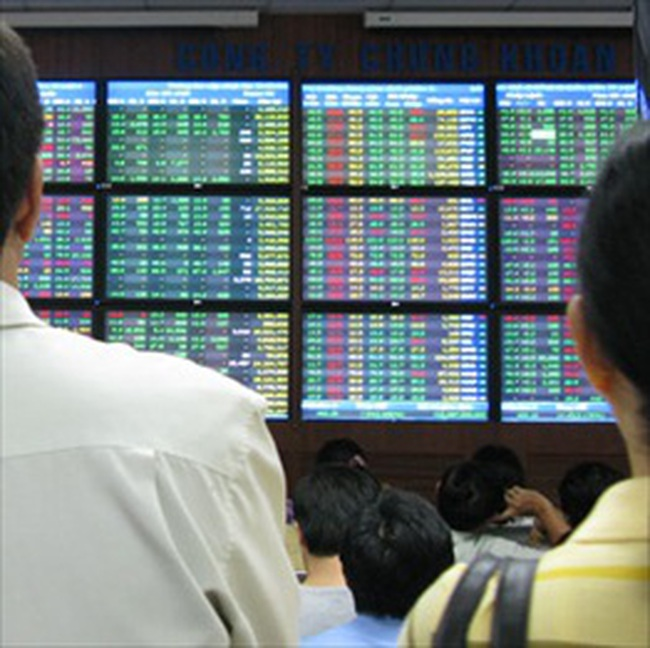 VN-Index tăng nhẹ lên 473 điểm
