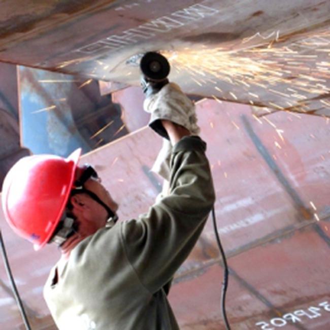 Giá trị sản xuất công nghiệp tăng trưởng 14% trong năm 2010