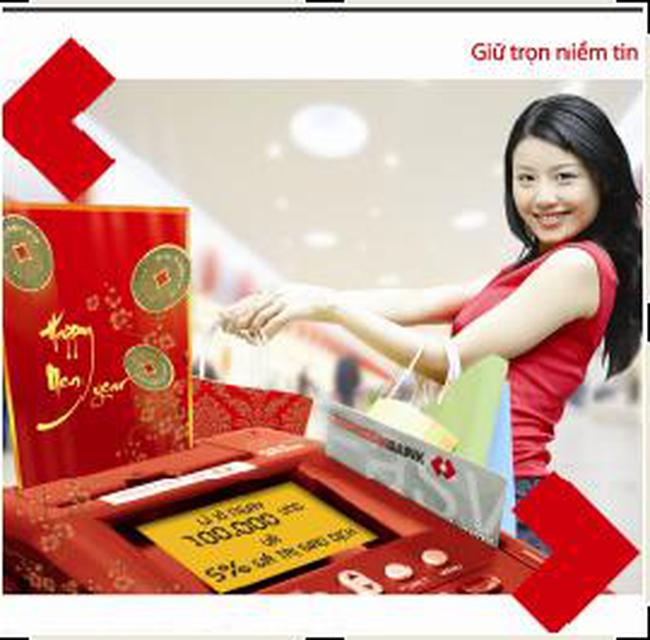 """Techcombank triển khai chương trình """"Quẹt thẻ đầu Xuân - Lì xì may mắn"""""""