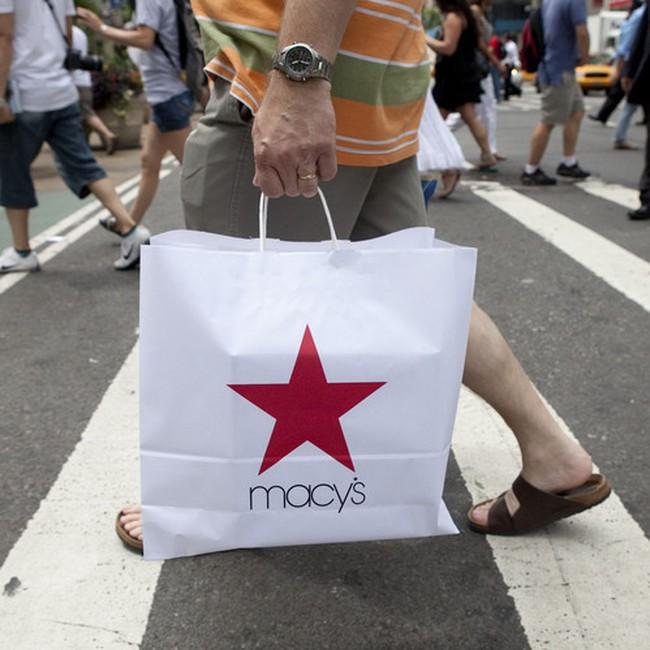 Doanh số bán lẻ tại Mỹ lên mức cao trước khủng hoảng
