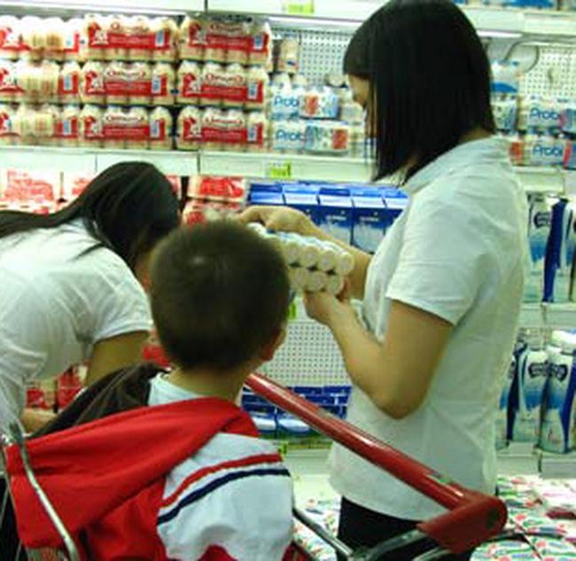 Sữa ngoại ầm ầm tăng giá tới 20%