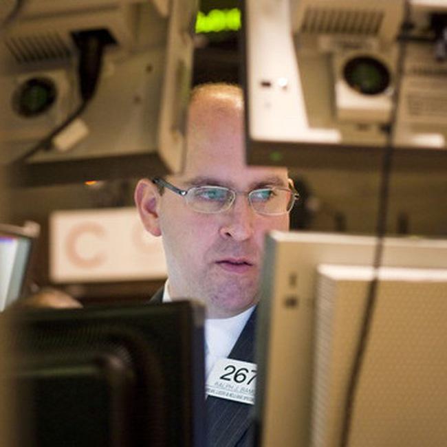 Dow Jones trượt mạnh vì nỗi lo giá dầu cao