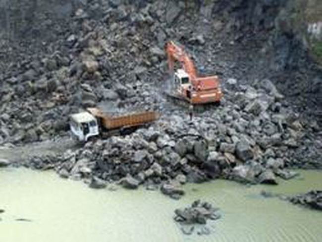 Cấp phép khai thác mỏ sa khoáng và khai thác đá hoa