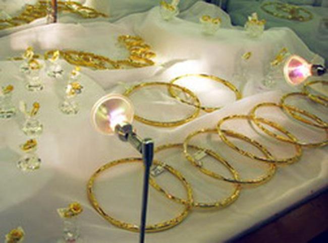 Sợ vàng miếng, nhà đầu tư chuyển hướng tích trữ nữ trang