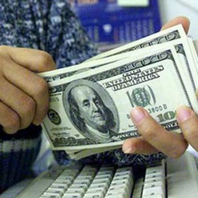 """Chống đô la hóa không chỉ có... """"bắt""""!"""