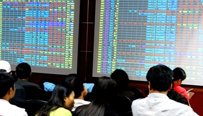 Dòng tiền đổ mạnh vào thị trường, hàng loạt cổ phiếu tăng trần