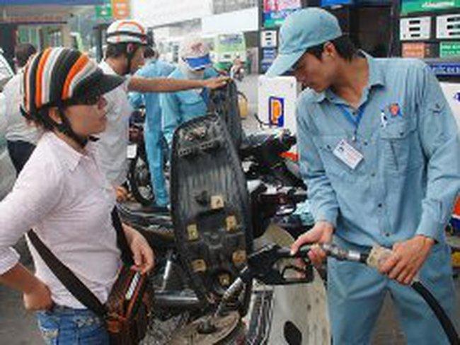 Hà Nội: Thí điểm bán xăng một mức 40.000 đồng/lần