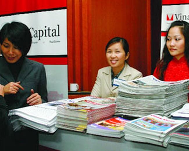 Hai quỹ của VinaCapital mất 74 triệu USD trong tháng 2