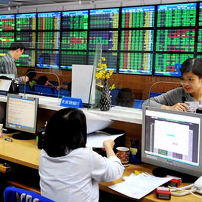 10h: HNX Index lên sát 92 điểm, Vn-Index giảm hơn 5 điểm