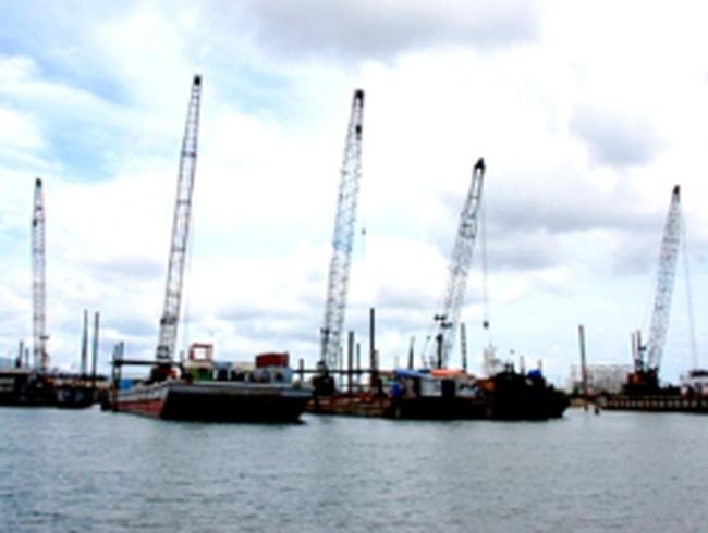 Nhanh chóng di dời các cảng biển Sài Gòn khỏi nội đô