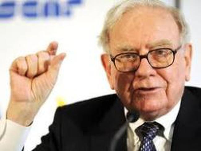 Goldman Sachs muốn trả nợ, Warren Buffett không vui