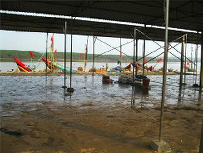 Ngư dân 'mắc cạn' trên bờ vì xăng tăng giá