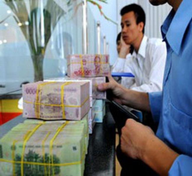 Chính phủ: Sẽ thắt chặt chính sách tiền tệ và tài khóa